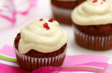 red_velevet_cupcake_2